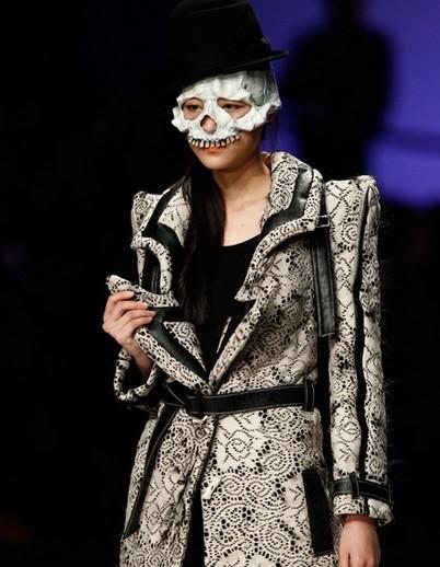 中国国际时装周骷髅装演绎另类时尚
